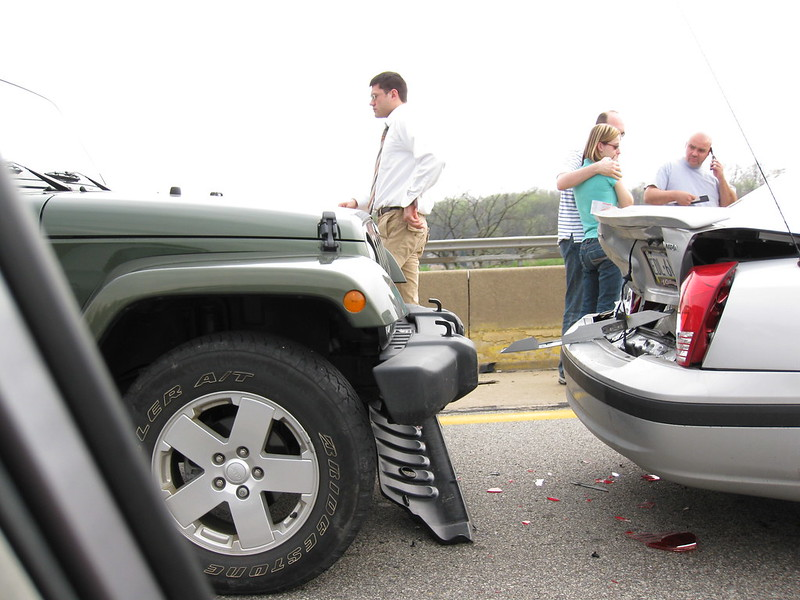 Picture of 2 vehicles in car accident